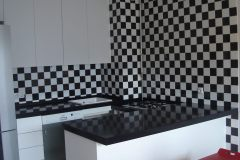 Kuhinja 100609 crno-bijela